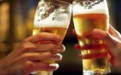 Tomar medio litro de cerveza a la semana podría proteger la memoria