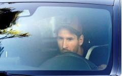 Regresa Lionel Messi a entrenar con el Barcelona